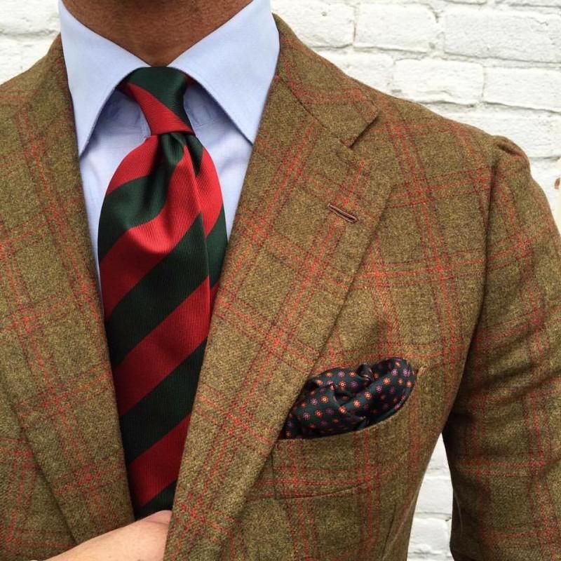 Selyem csíkos nyakkendő